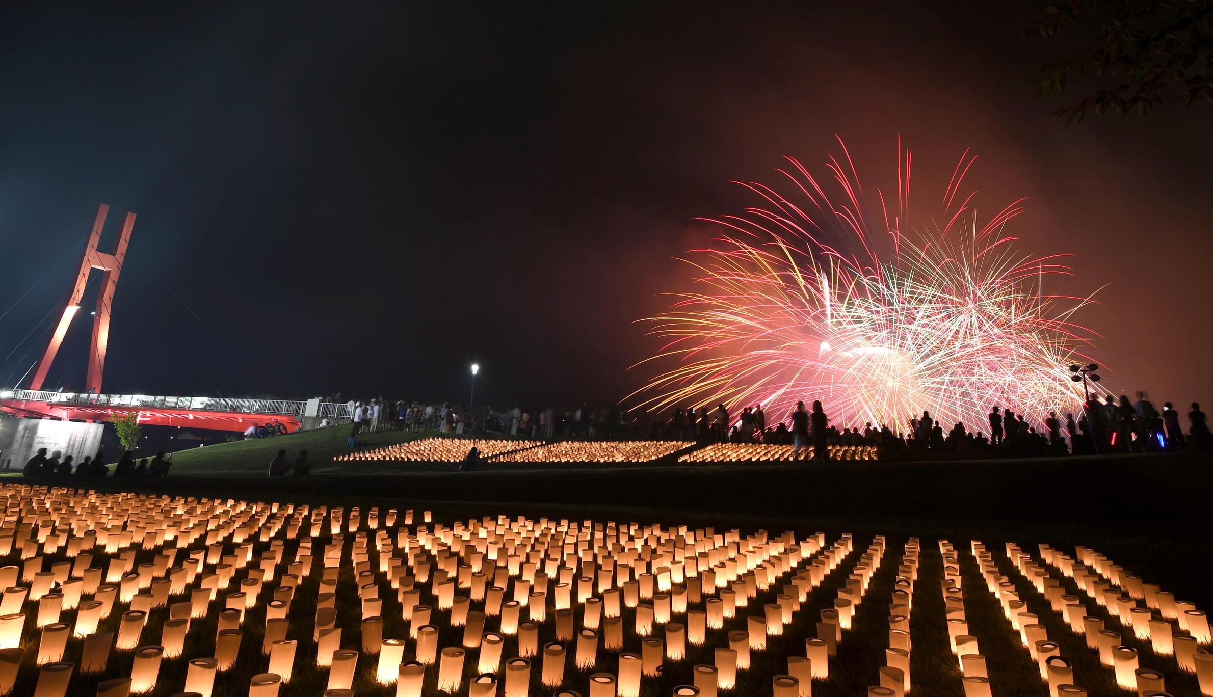 あわら北潟湖畔花火 観月の夕べ