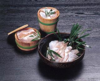 小鯛の酢漬け(小鯛の笹漬け)樽詰め