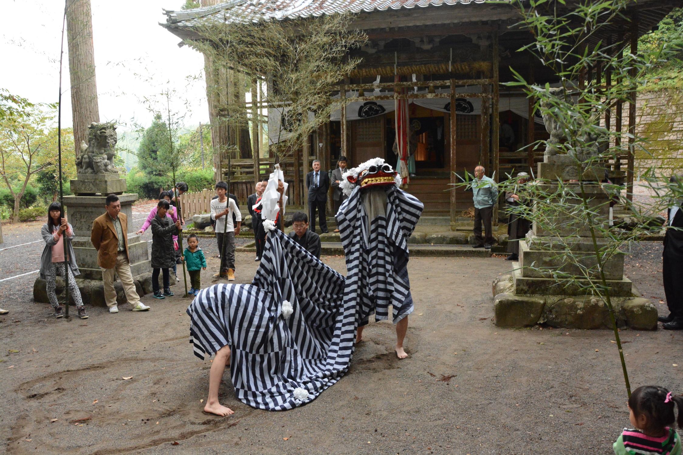 八坂神社の獅子舞