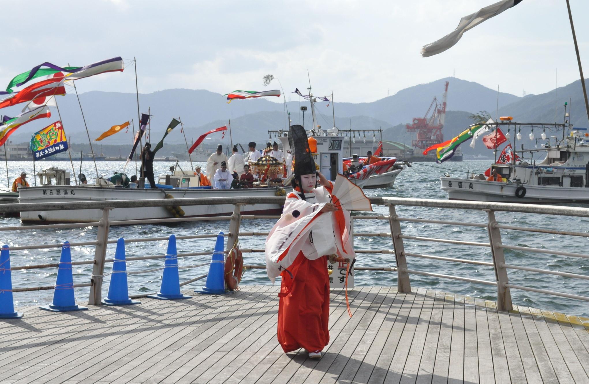 金崎宮「御船遊管絃祭」